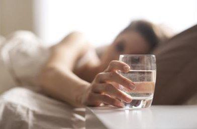 Gece Su İçmek Kilo Aldırır mı?