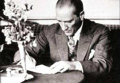 Atartürk'ün Kaleme Aldığı Eserler ve Kitaplar Nelerdir?
