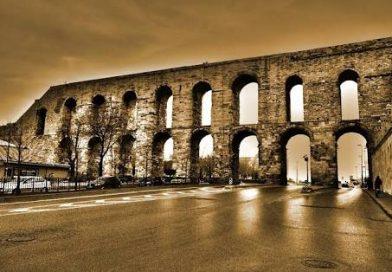 Roma'nın Süsü; Su Kemerleri
