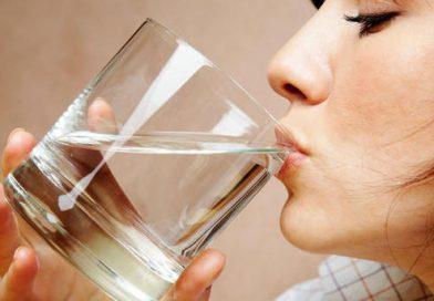 Yemek yerken su içmek kilo aldırır mı?
