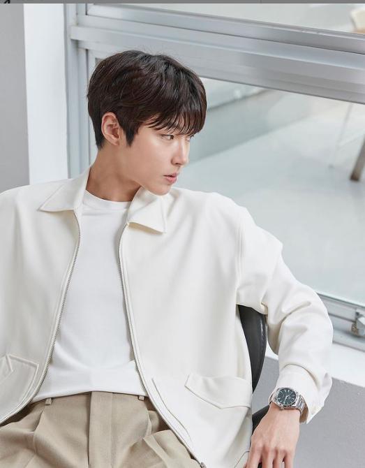 Hwang In-Youp Kimdir