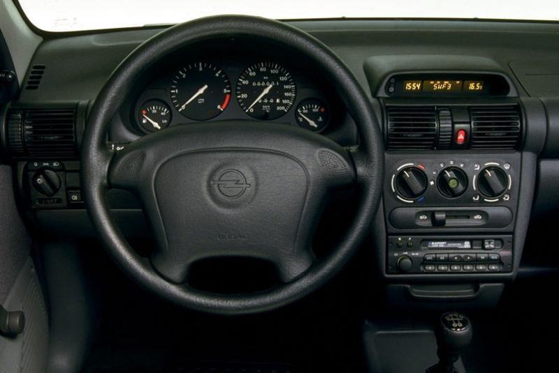 Opel Corsa B Yağ Lambası Yanıyor Çözümü Görseli